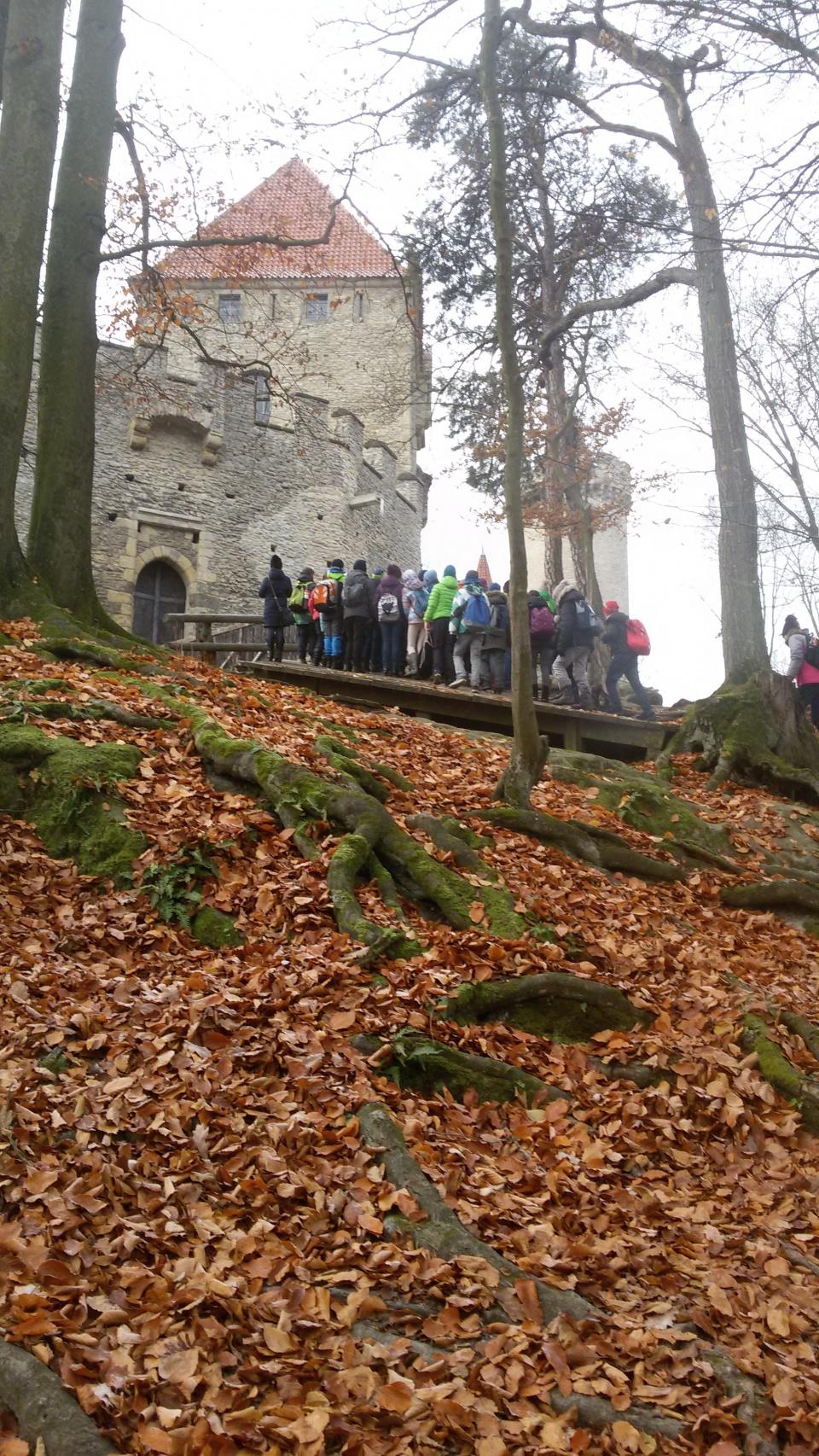 Vstupujeme do hradu